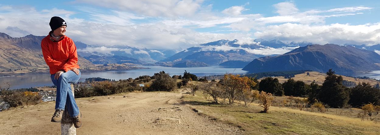 Foto auf dem Mount Iron mit dem Lake Wanaka im Hintergrund