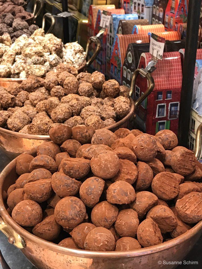 Bild verschiedener Schokoladen Trüffel