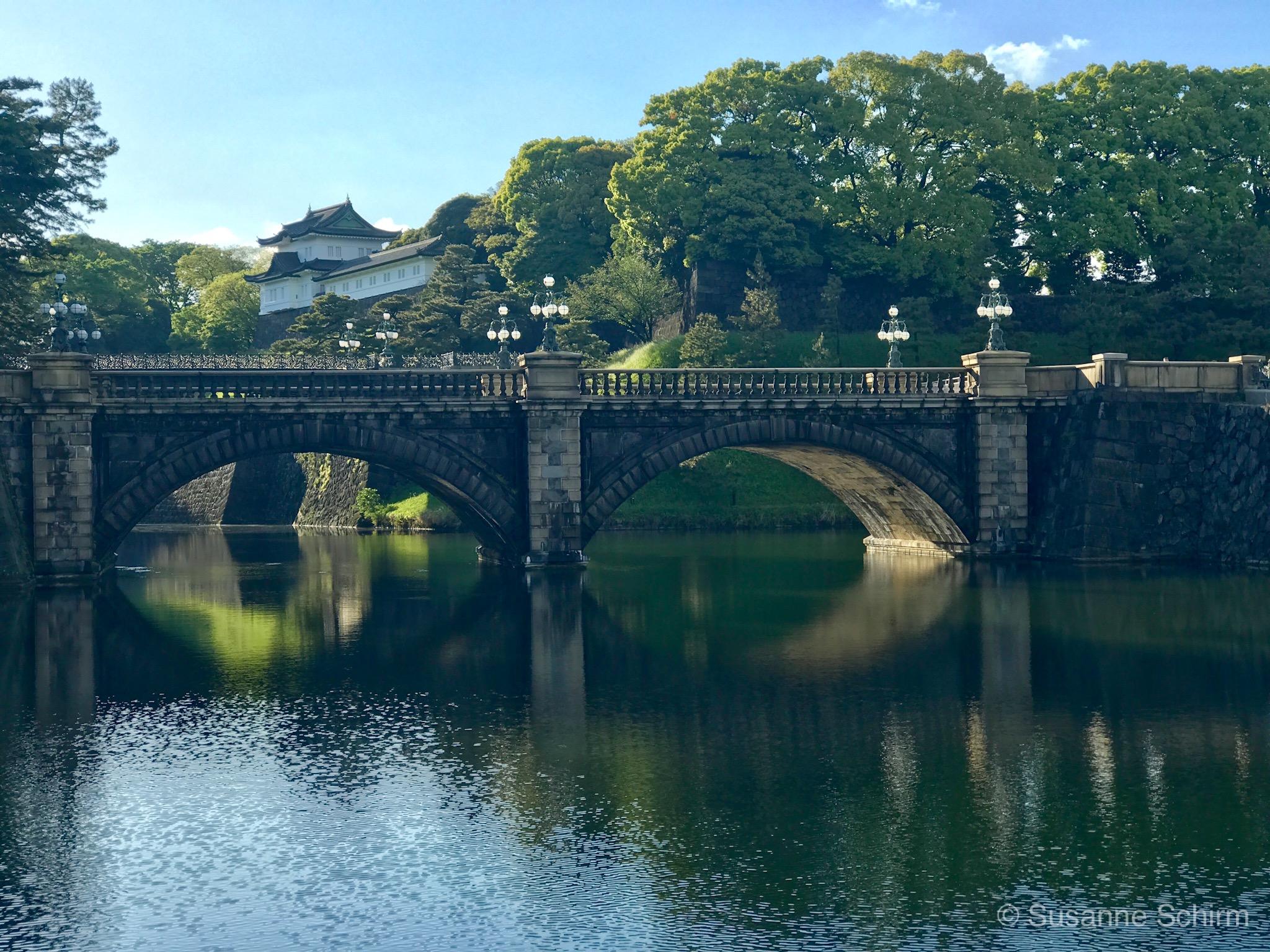 Seimon-ishibashi Brücke am Kaiserpalast in Tokio